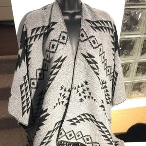 🖤gorgeous reversible TRIBAL style PONCHO/CAPE